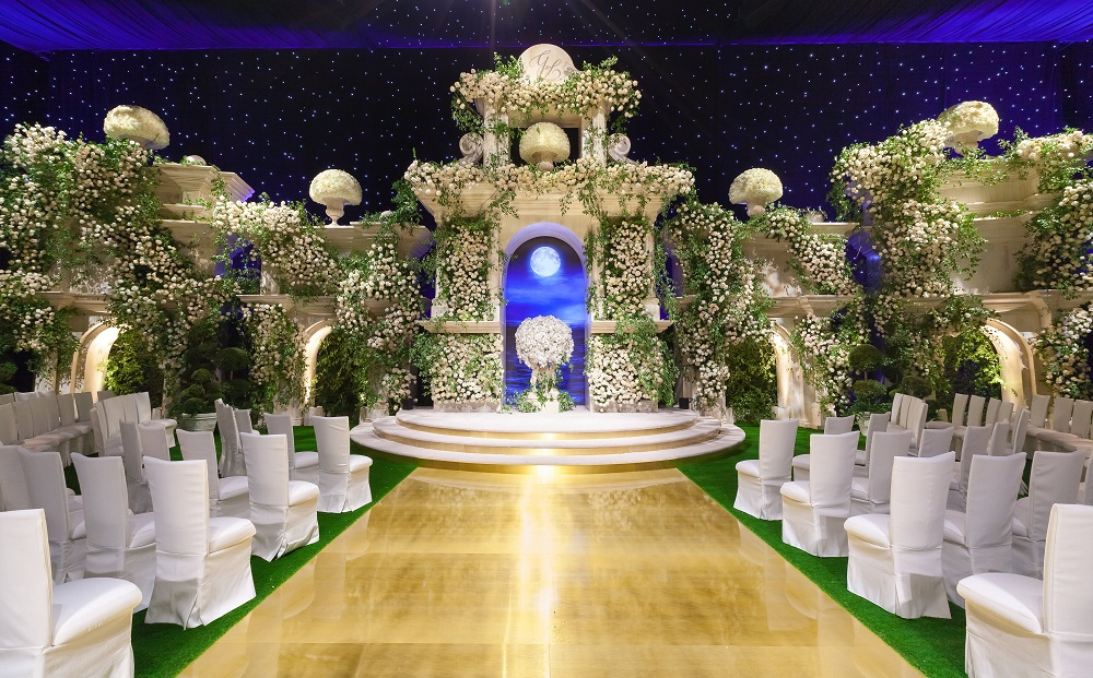 Chameleon Chair Collection, Bright Event Rentals, ceremony, Mindy Weiss Party Consultants, Revelry Event Designers, Mark's Garden, Simone Photography, Dolby Theatre